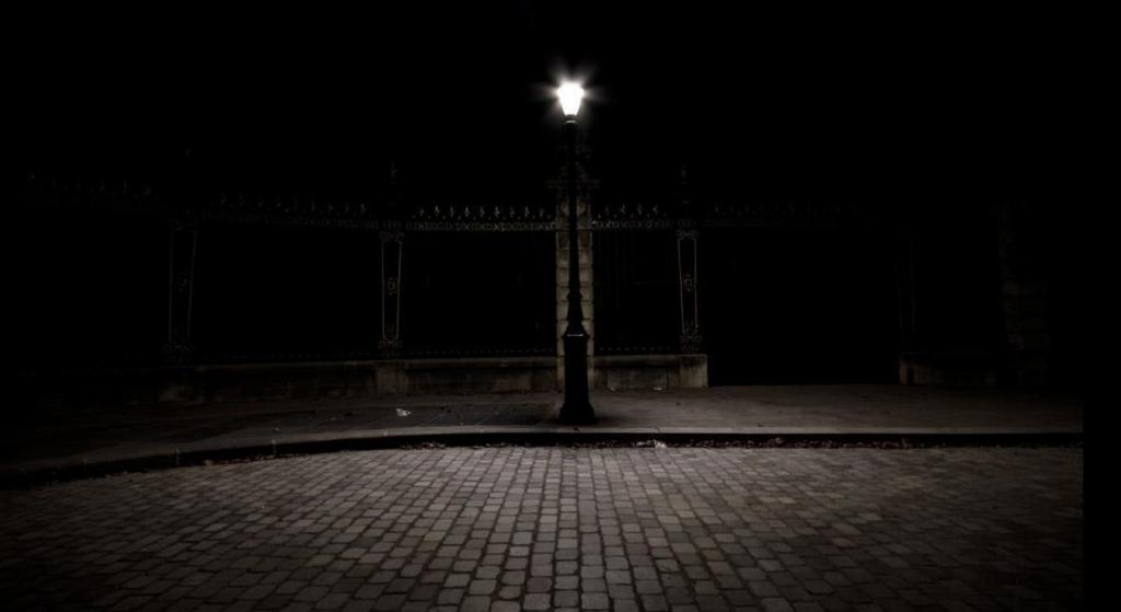 lampadaire la nuit